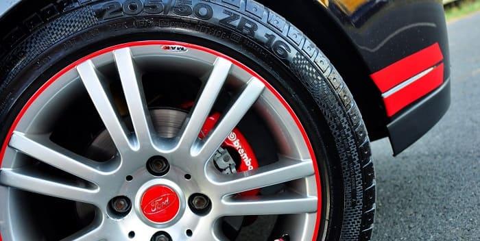 Вы проверяете автомобильные шины, но не забываете колеса и диски